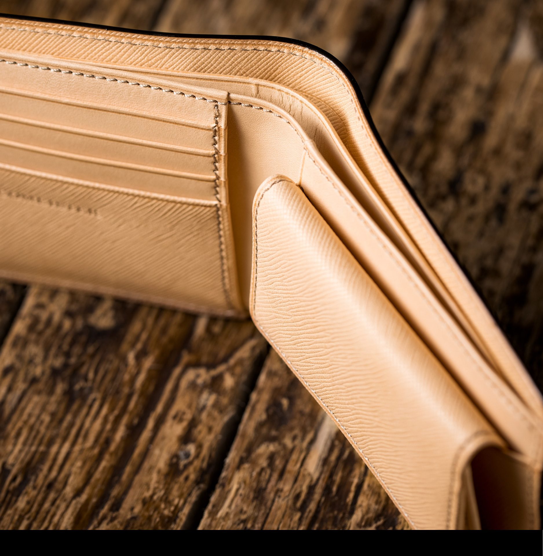 ヨコハマ・2つ折り財布